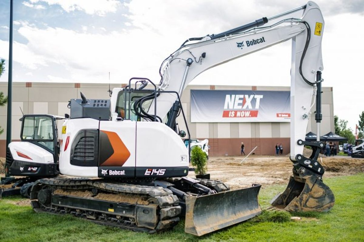 Bobcat Launches its Largest Excavator: 14-ton E145 is Strong, Nimble and Durable (VIDEO)