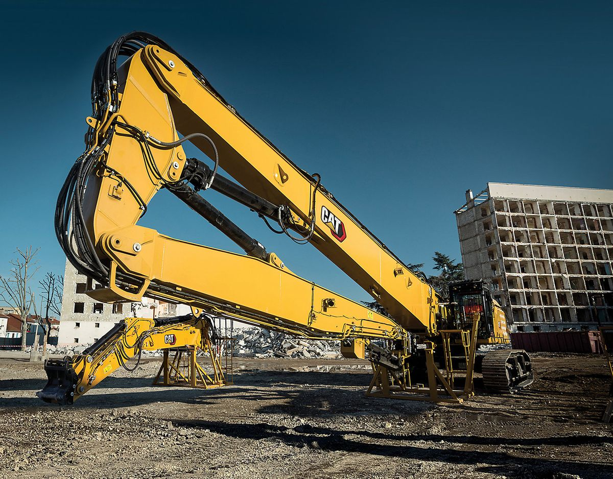 Cat's 352 UHD Can Quickly Demolish Buildings Up To 9 Storeys