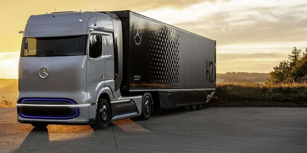 Daimler And Volvo Lay Out Plan For Hydrogen-Based Fuel-Cell Truck Production