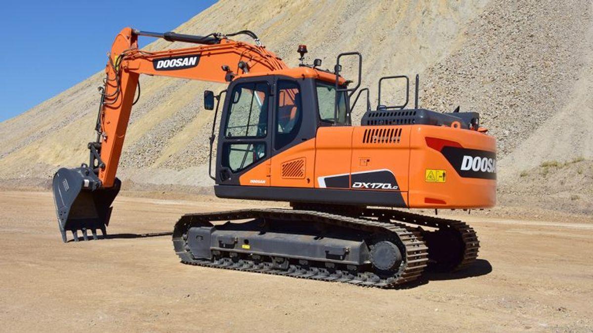 Doosan's New Crawler Excavator Simplifies Transportation