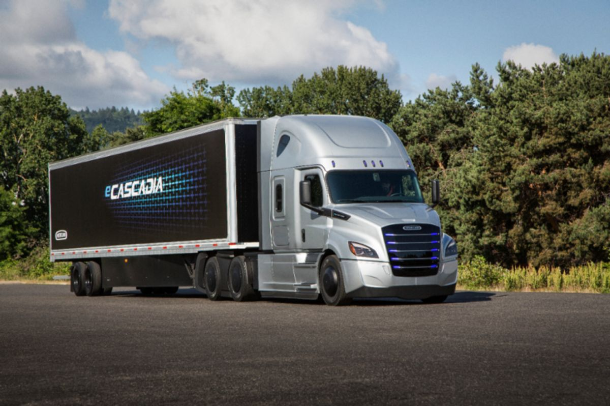 Freightliner Ships its First Electric Trucks to Customers