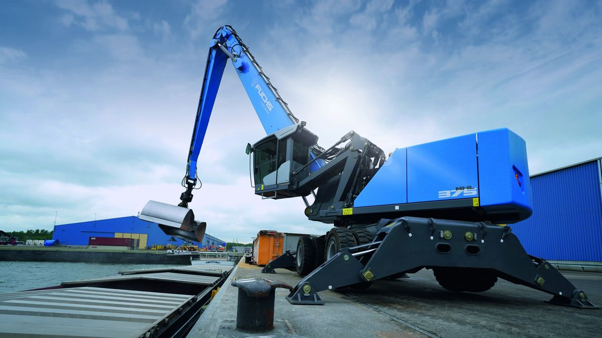 Fuchs All New MHL375 F to Take the Stage at Conexpo 2020