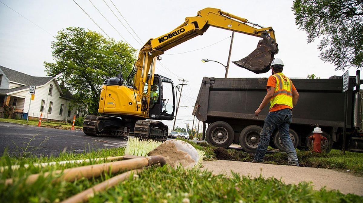 Kobelco's New Excavator Shortens Cycle Times, Increases Efficiency