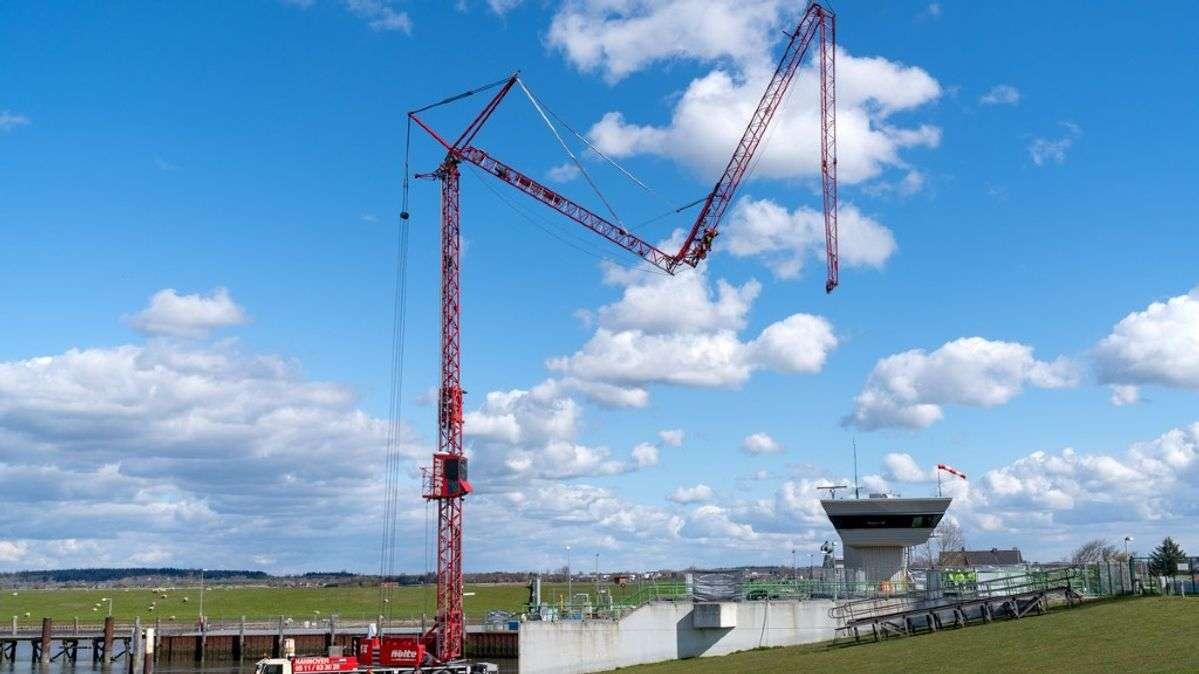 Liebherr Tower Crane Achieves 300 Lifts In Three Days