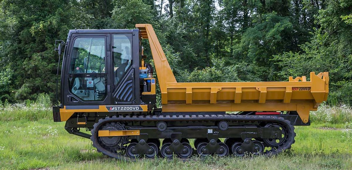 Morooka Produces 1000th Rubber-Track Carrier