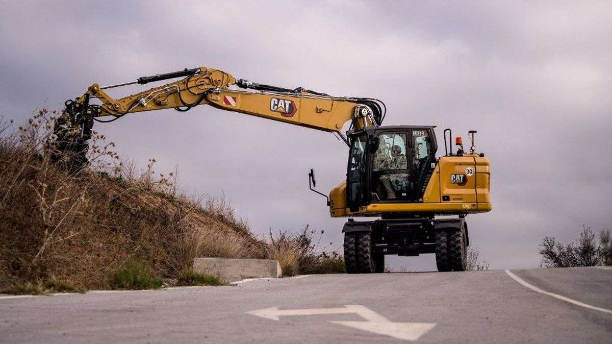 New Cat Wheeled Excavators Offer Increased Swing Torque, Reduced Maintenance Costs