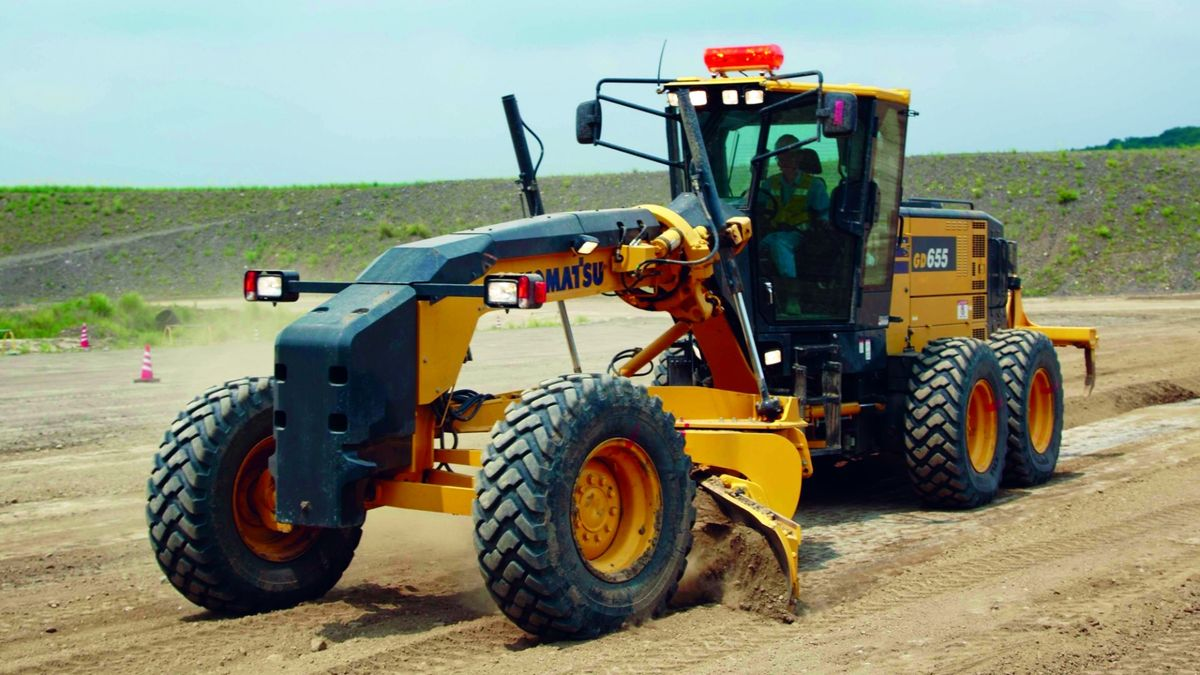 New Controls and Operator Features for Komatsu Motor Grader