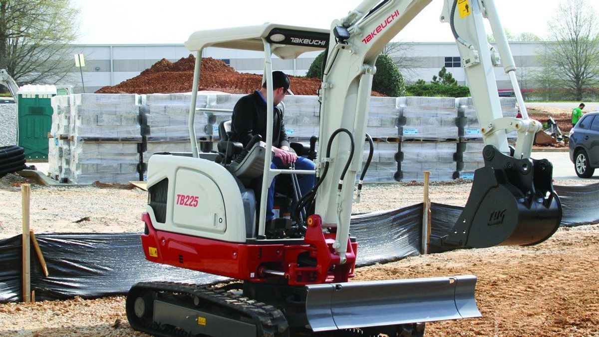 Takeuchi Expands Earthmoving Lineup With New Excavator And Updated CTL