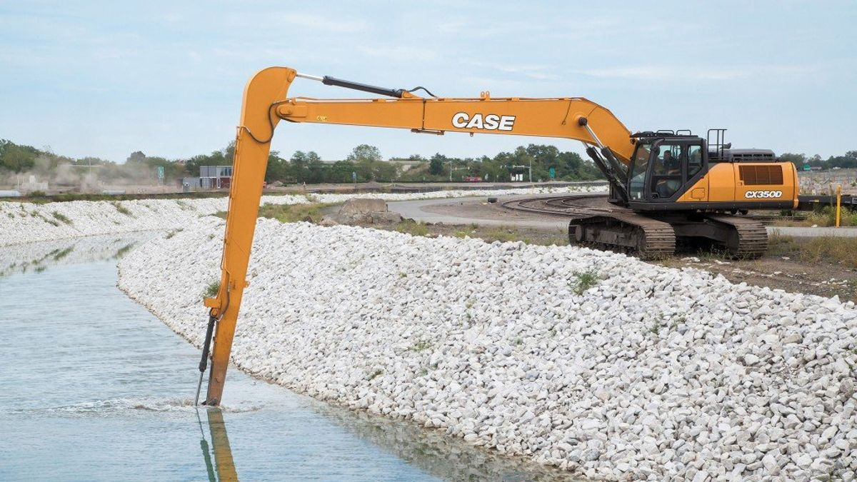 Three Options To Stretch Out With Long-Reach Excavators