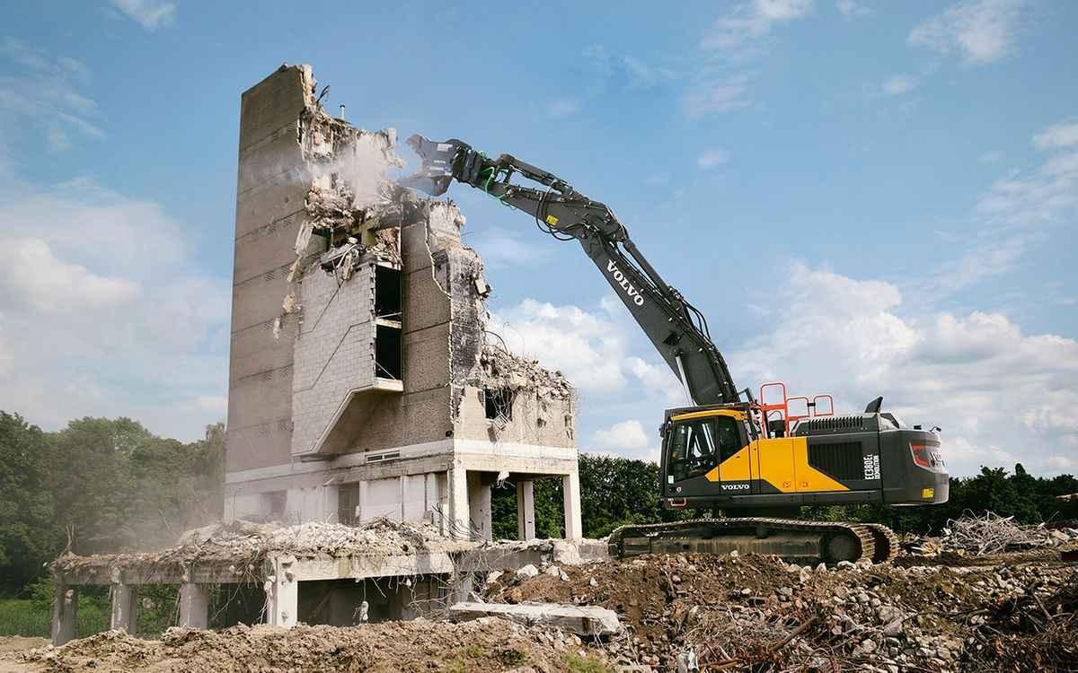 Volvo CE Introduces Purpose-Built EC380E Demolition Excavator